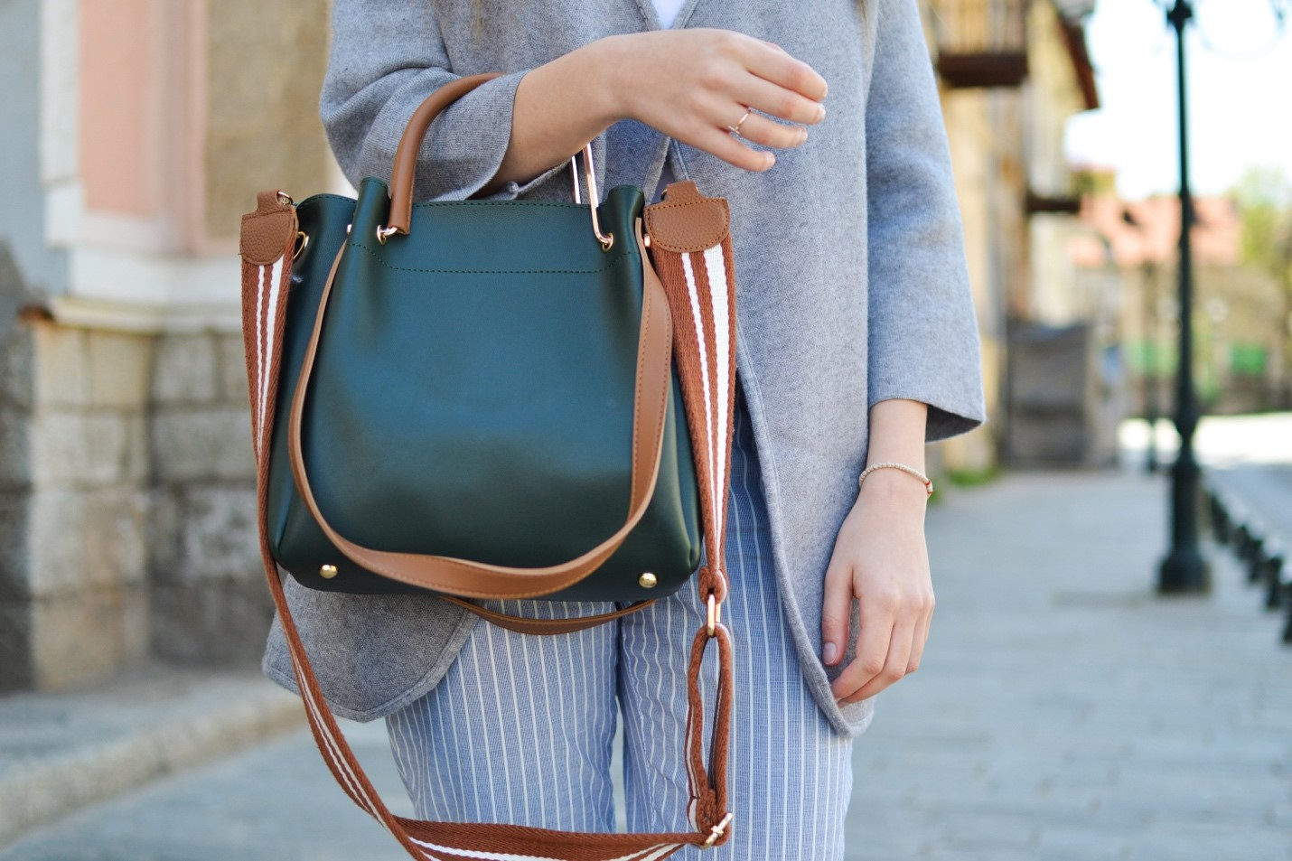 4 Handbags You Need in Your Closet